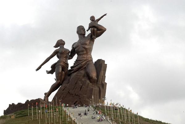 بنای یادبود رنسانس آفریقا