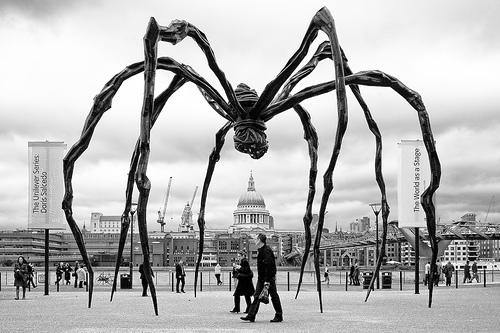 مجسمه عنکبوت
