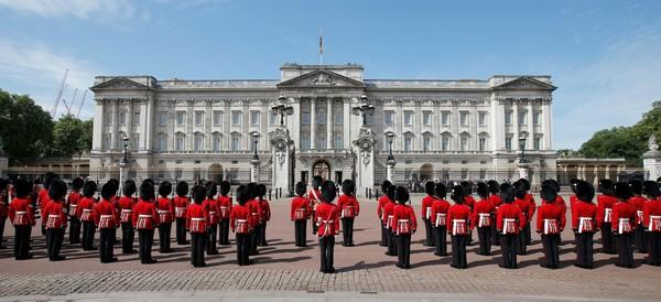 کاخ بکینگام لندن