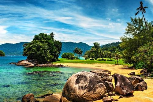 جزیره تیمان در سواحل شرقی مالزی