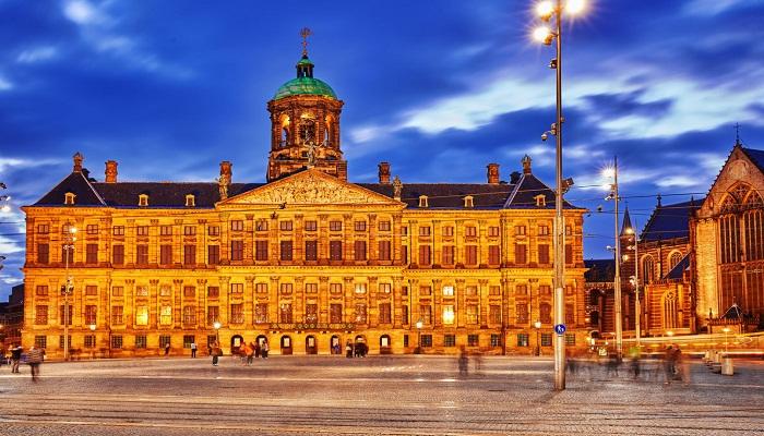 کاخ سلطنتی آمستردام (هلند)
