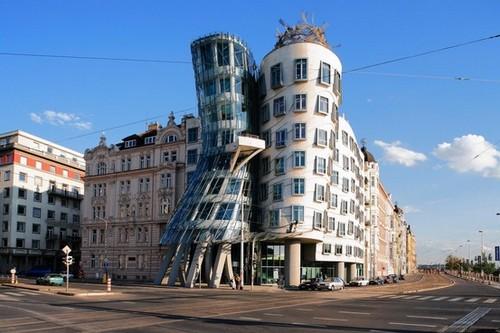 ساختمان های شیشه ای شگفت انگیز