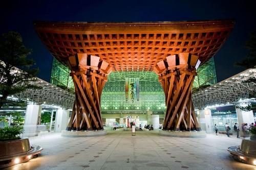 ایستگاه راه آهن شگفت انگیز ژاپن