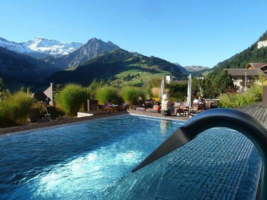 هتل لوکس سوئیس