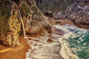 ۱۰ ساحل عجیب دنیا