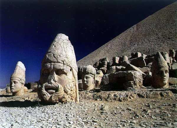 مجسمه سر های باستانی ترکیه
