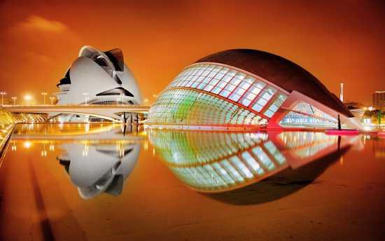 ساختمان های هندسی عجیب دنیا