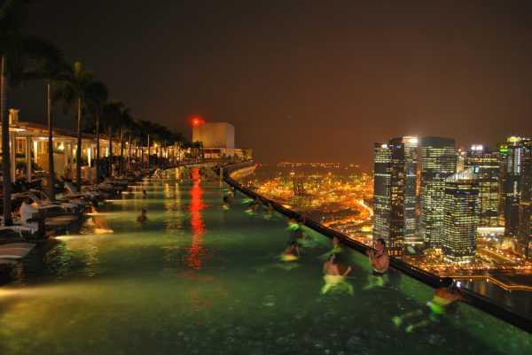 استخر بزرگ و عجیب سنگاپور