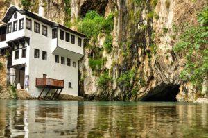 Vrelo Bune  یک مجموعه منحصر به فرد در بوسنی و هرزگوین