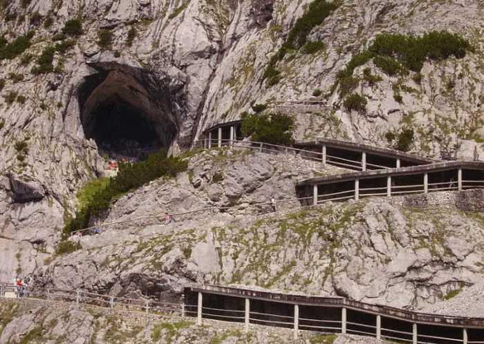 مناطق زیرزمینی شگفت انگیز دنیا